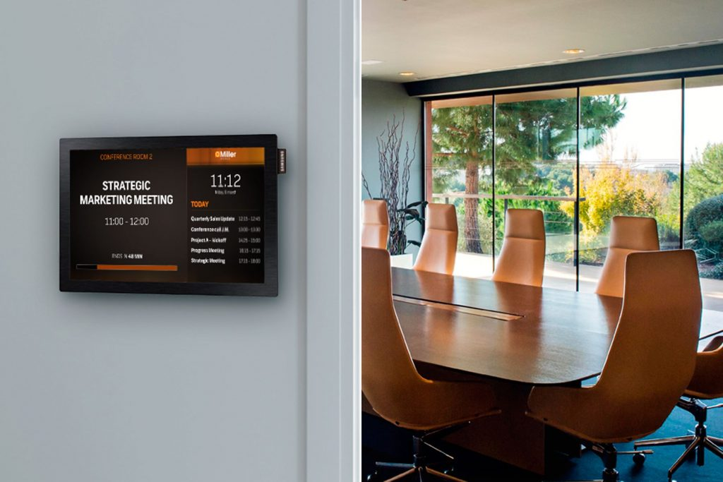 Digital Signage: Meeting Room TV